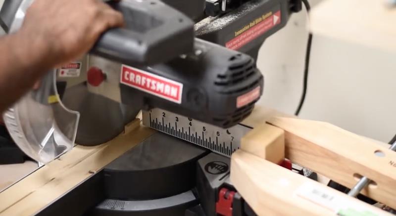 How to Make DIY Wood Pallet Backsplash-7