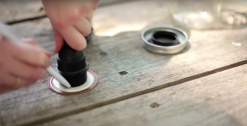 Making Beautiful Mason Jar Lanterns in 12 Easy Steps-3