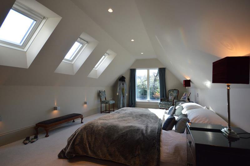 15-inspiring-attic-master-bedroom-designs-2