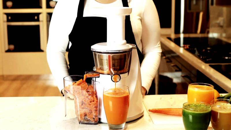 a-survey-of-masticating-juicer-reviews-our-picks-for-the-3-best-title