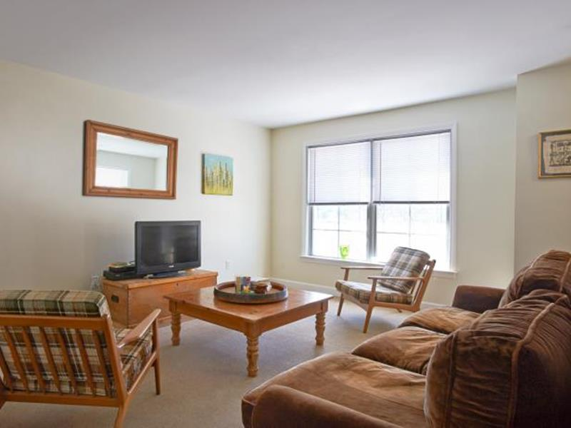 image named 14 Stunning Living Room Before and After Pictures 1