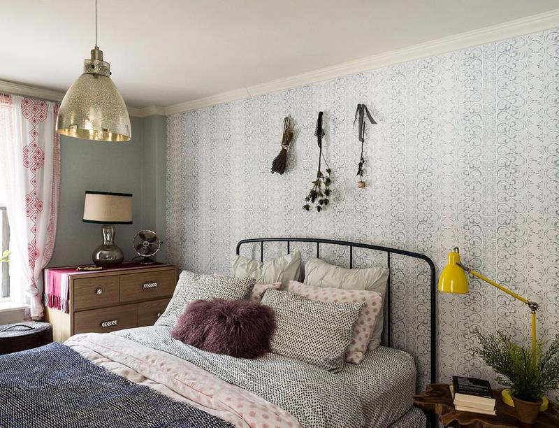 image named 15 Eye Catching Master Bedroom Accent Walls 1