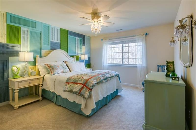 image named 15 Eye Catching Master Bedroom Accent Walls 7