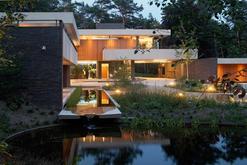 image named 15 Gorgeous Home Exteriors title