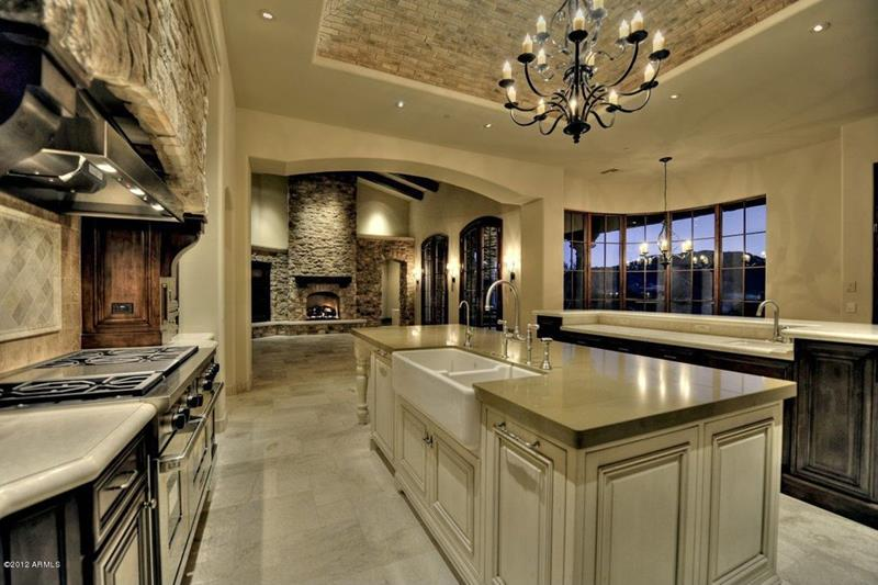 image named 15 Gorgeous Kitchen Islands 4