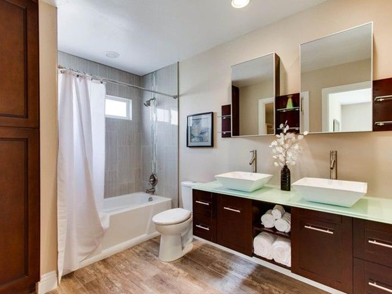 image named 15 Master Bathrooms with Dual Vanities 2