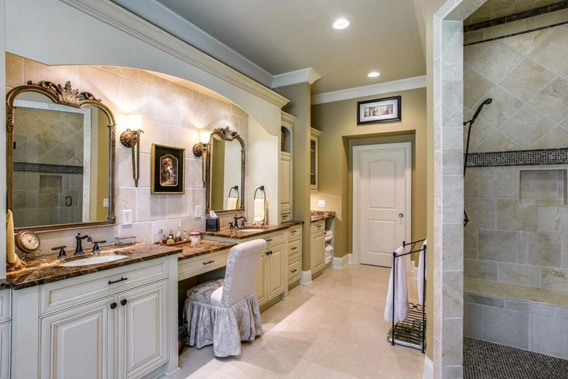 image named 15 Master Bathrooms with Dual Vanities 4
