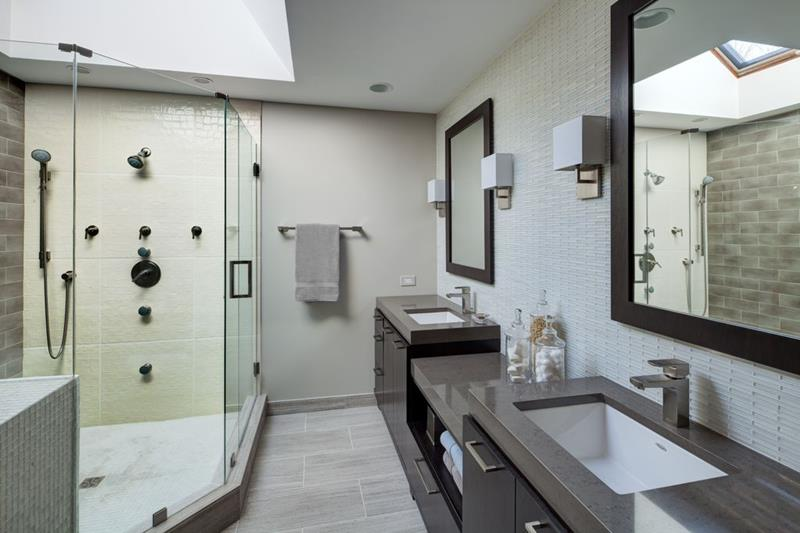 image named 15 Master Bathrooms with Dual Vanities 6