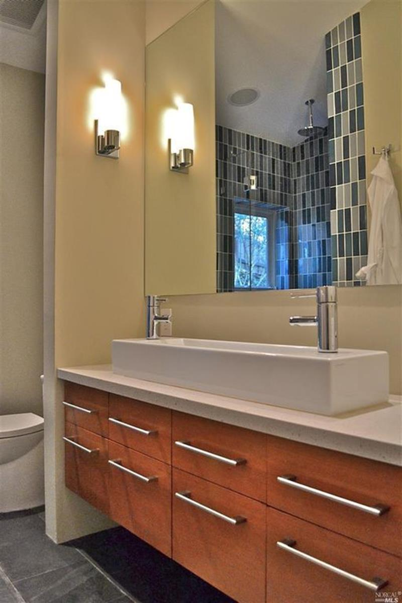 image named 15 Master Bathrooms with Dual Vanities 8
