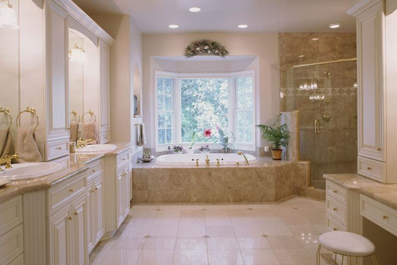 image named 15 Master Bathrooms with Dual Vanities 9