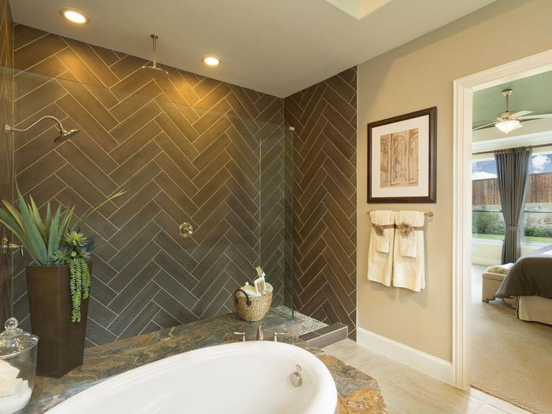 image named 15 Stunning Master Bathrooms with Walk In Showers 10