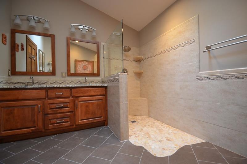 image named 15 Stunning Master Bathrooms with Walk In Showers 15