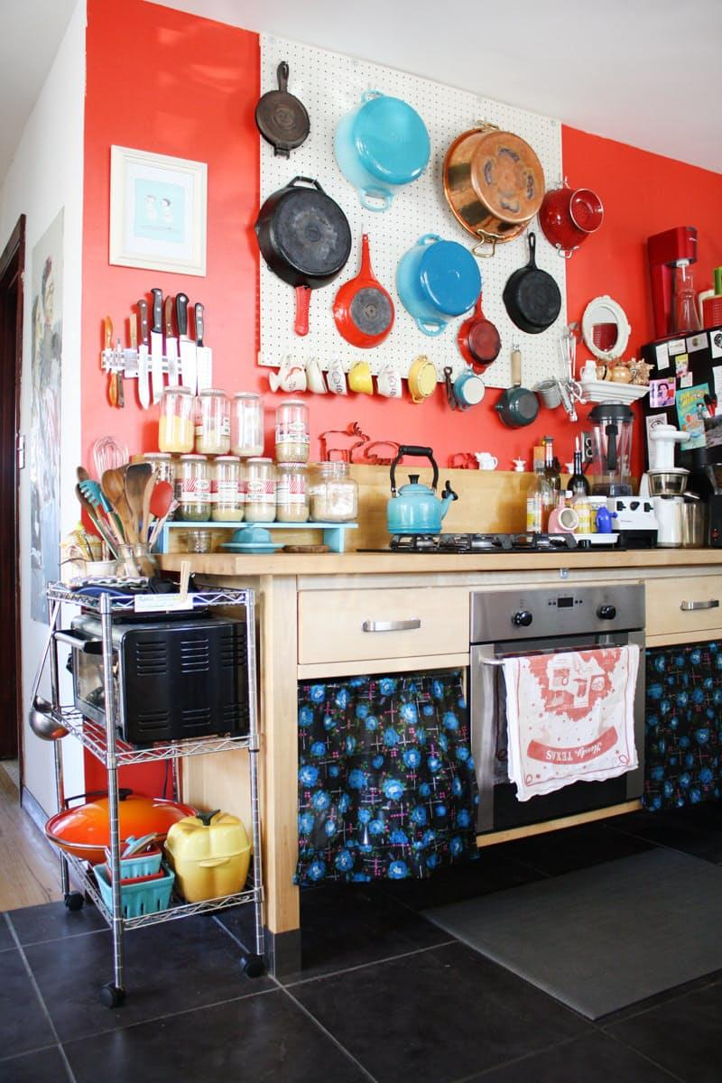 image named 10 DIY Things You Can Do to Beautify a Rental Kitchen 3