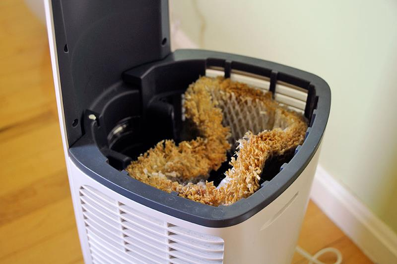 image named 20 Awesome Hacks for Your Annual Spring Cleaning 4
