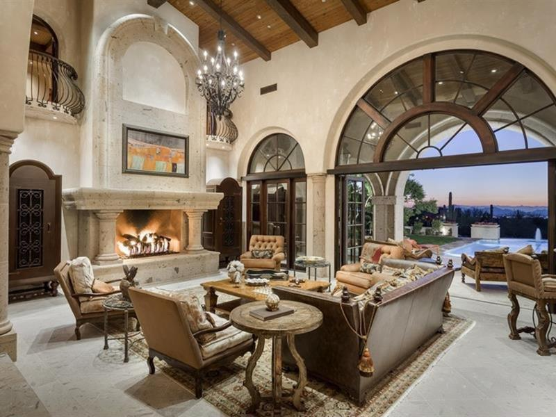 image named 20 Jaw Dropping Family Room Designs 17
