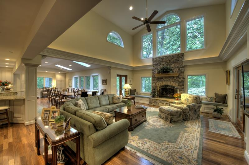 image named 20 Jaw Dropping Family Room Designs 18