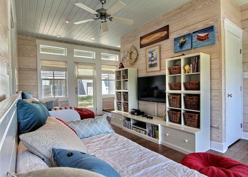image named 20 Jaw Dropping Family Room Designs 9