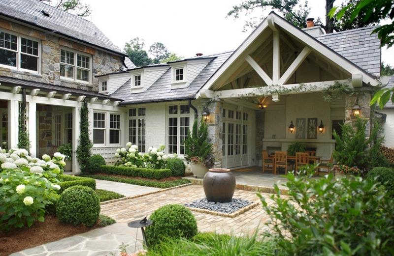 image named 20 Stunning Traditional Exterior Design Ideas 1