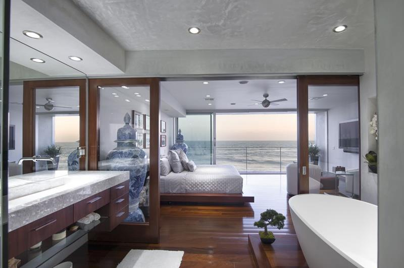 image named 20 Amazing Luxury Master Bedroom Design Ideas 13