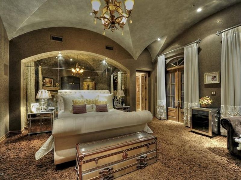 image named 20 Amazing Luxury Master Bedroom Design Ideas 4