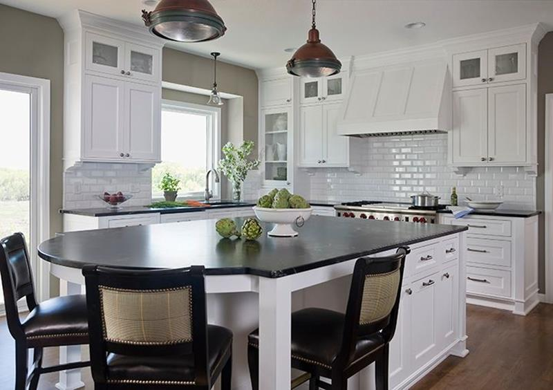 image named 20 Beautiful Traditional Kitchen Designs 13