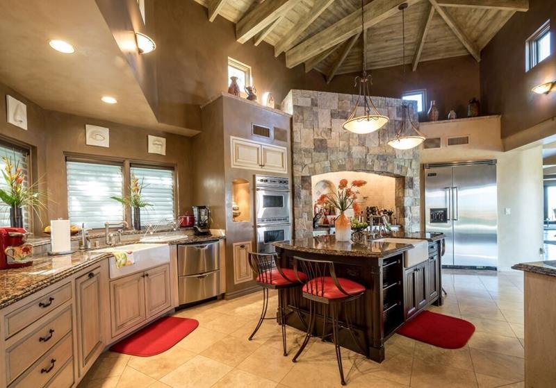 image named 20 Beautiful Traditional Kitchen Designs 16