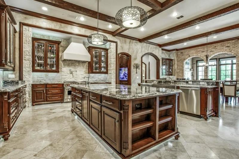 image named 20 Beautiful Traditional Kitchen Designs 17