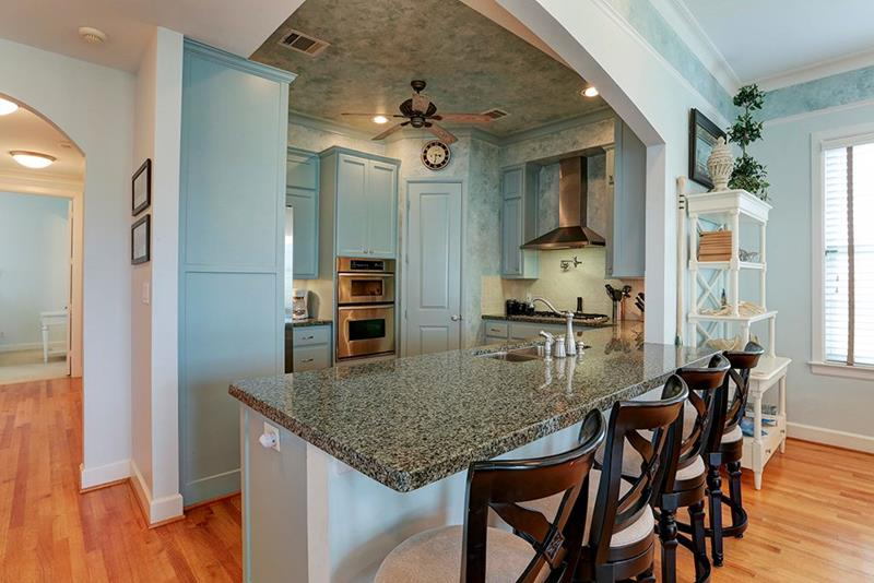 image named 20 Beautiful Traditional Kitchen Designs 18