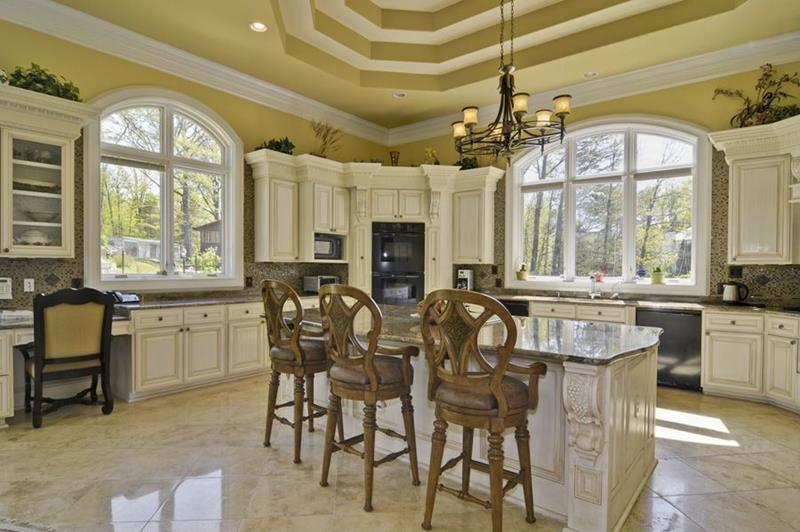 image named 20 Beautiful Traditional Kitchen Designs 2