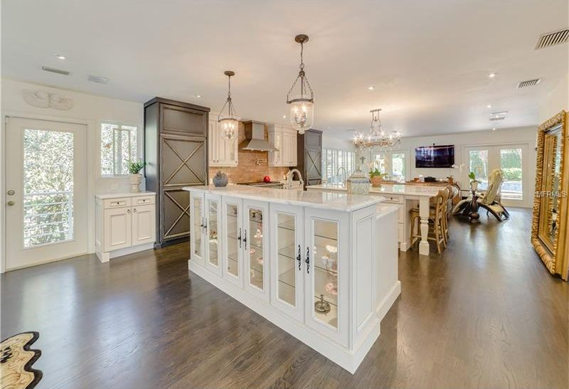 image named 20 Beautiful Traditional Kitchen Designs 20