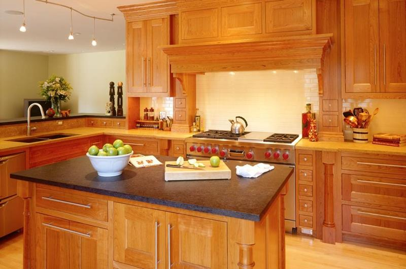 image named 20 Beautiful Traditional Kitchen Designs title