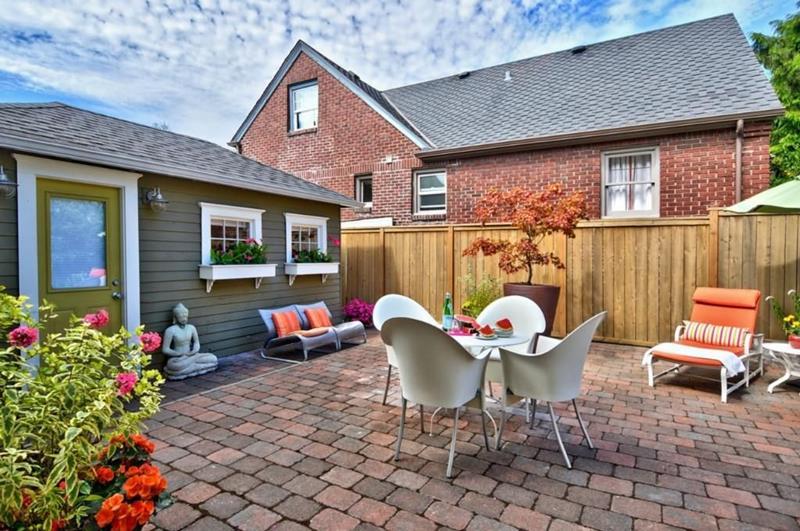 image named 20 Gorgeous Backyard Patio Design Ideas 17