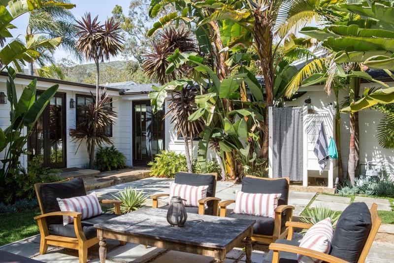 image named 20 Gorgeous Backyard Patio Design Ideas 19