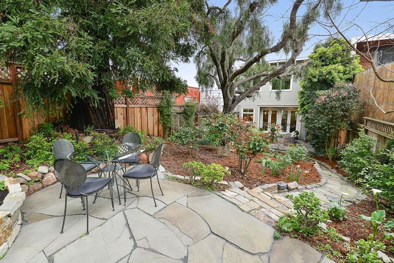 image named 20 Gorgeous Backyard Patio Design Ideas 4