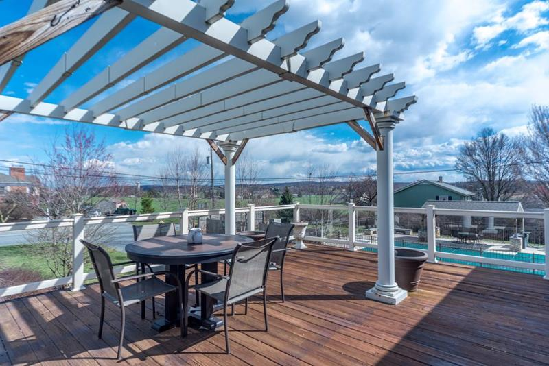 image named 20 Gorgeous Deck Designs and Ideas 20