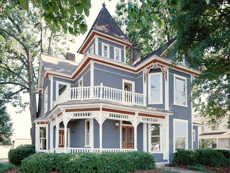 image named 20 Home Exterior Ideas with Loads of Curb Appeal 4