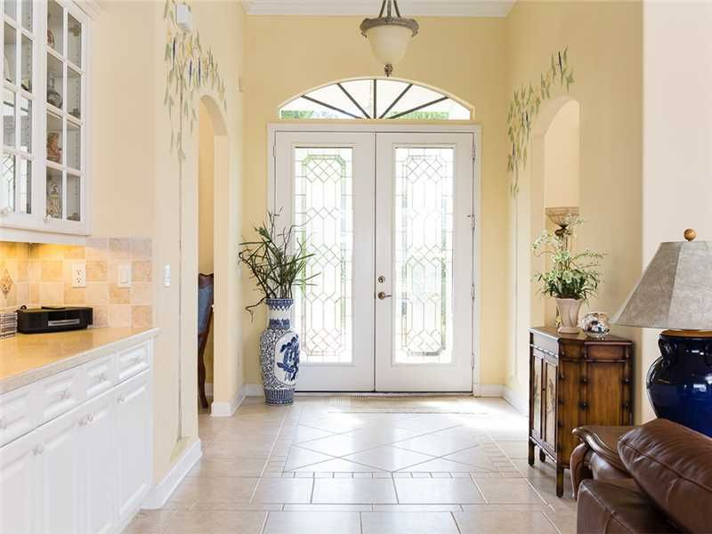 image named 20 Jaw Dropping Foyer Designs 4