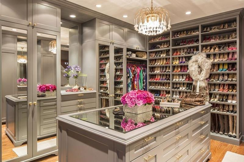 image named 20 Walk In Closets that Will Make Your Jaw Drop 141