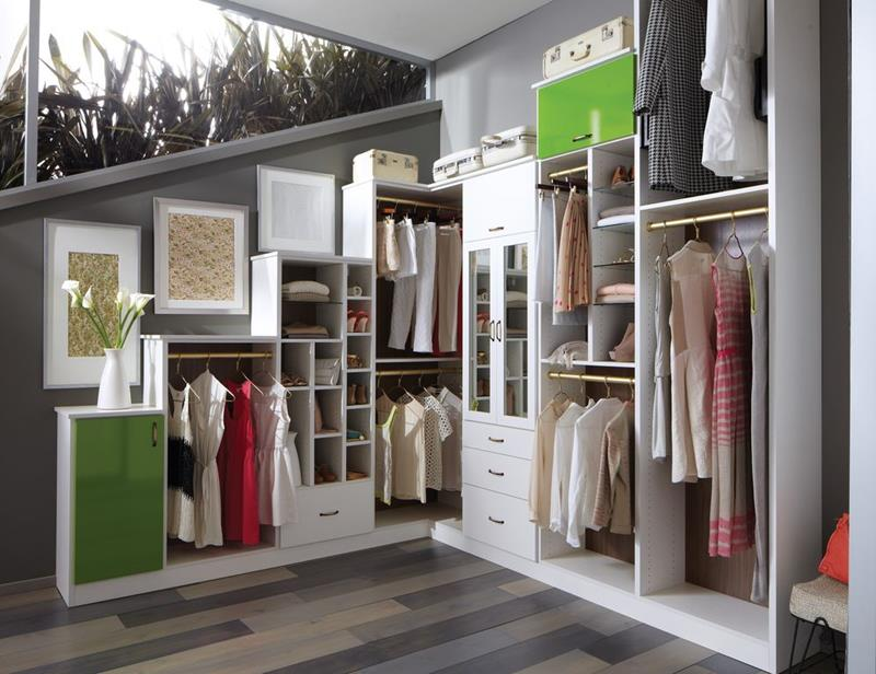 image named 20 Walk In Closets that Will Make Your Jaw Drop 21