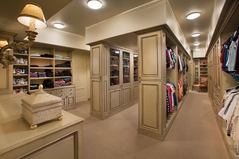 image named 20 Walk In Closets that Will Make Your Jaw Drop 51
