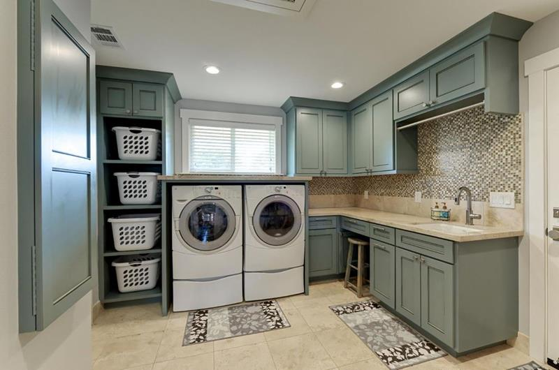 image named 20 Beautiful Laundry Room Designs 18