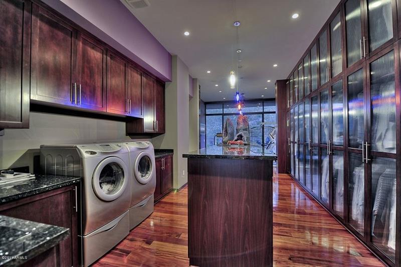 image named 20 Beautiful Laundry Room Designs 3