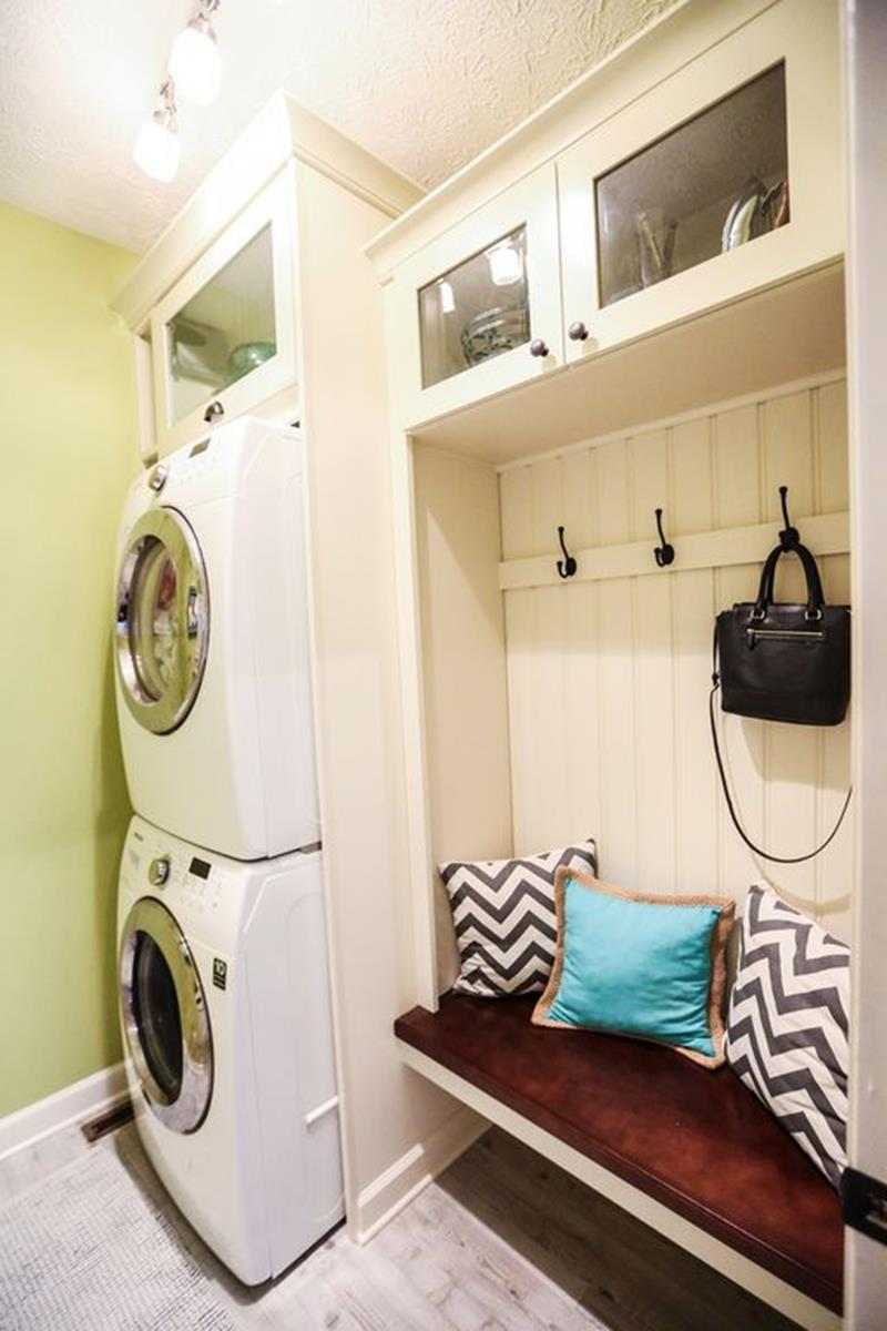 image named 20 Beautiful and Functional Mudroom Designs 1