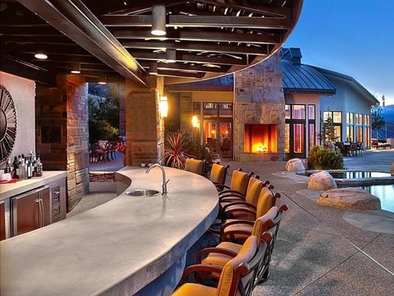 image named 20 Home Bar Design Ideas 12
