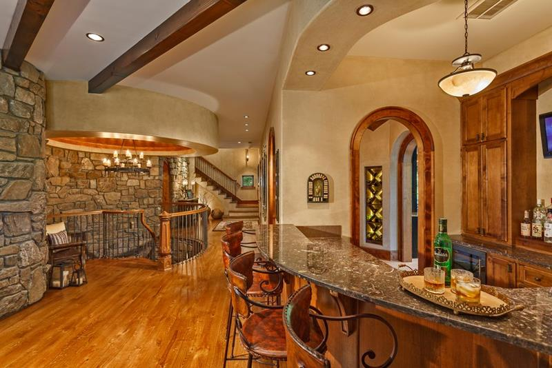 image named 20 Home Bar Design Ideas 5