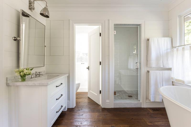 image named 20 Stunning Large Master Bathroom Design Ideas 20