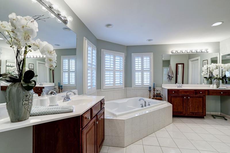 image named 20 Stunning Master Bathroom Design Ideas 1